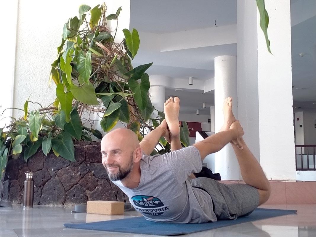 Yoga4freedom_Dhanurasana-Linas_PlayaParaiso-classes