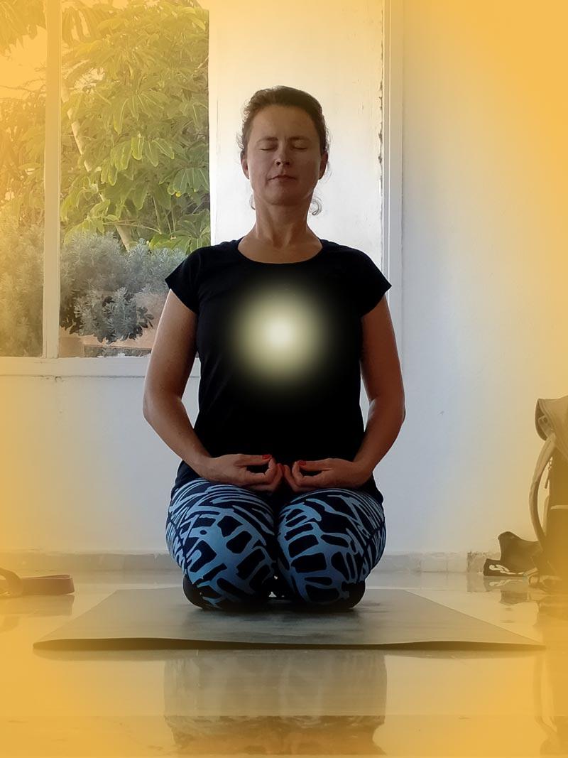 Yoga4freedom_Vajrasana_PlayaParaiso-classes