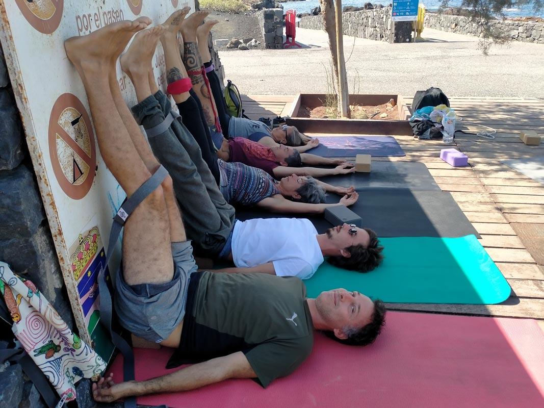 Yoga4freedom_Viparita-Karani-Block_Alcala-classes
