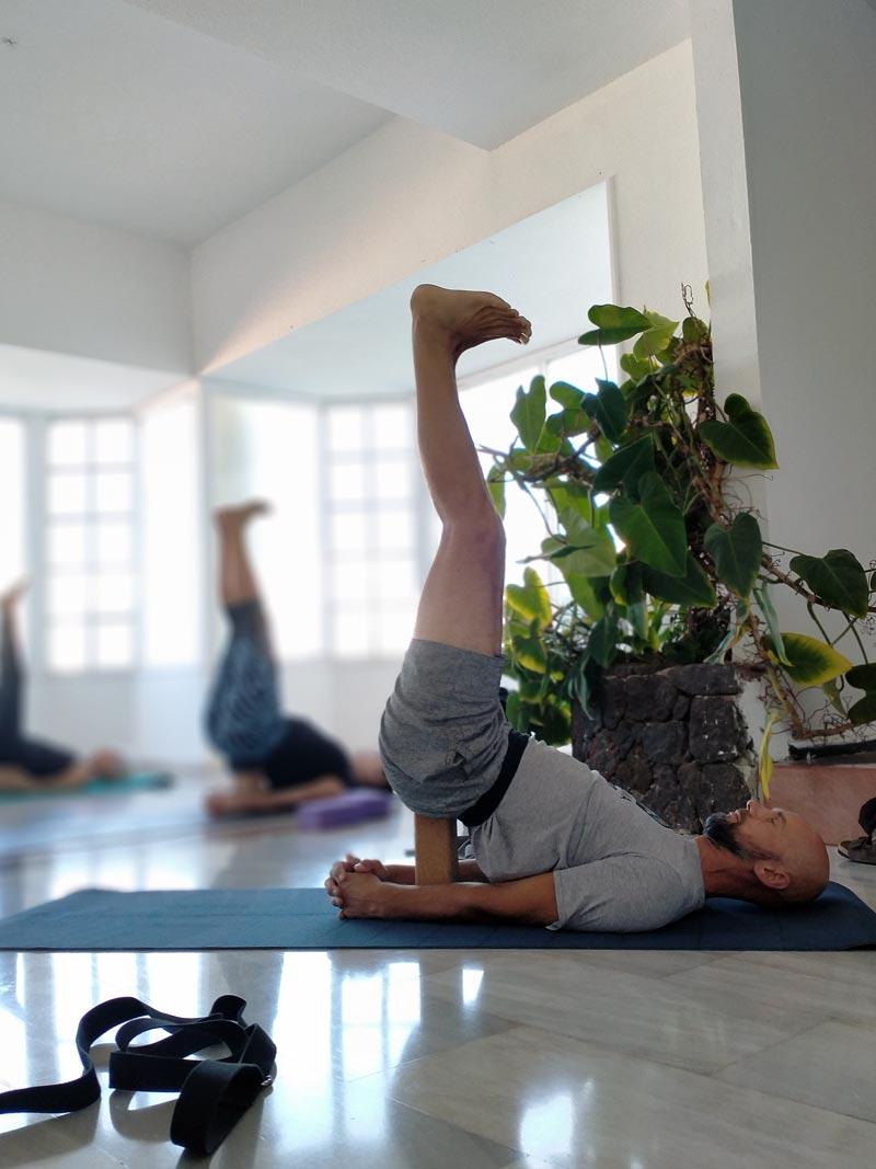 Yoga4freedom_Viparita-Karani-Block_PlayaParaiso-classes