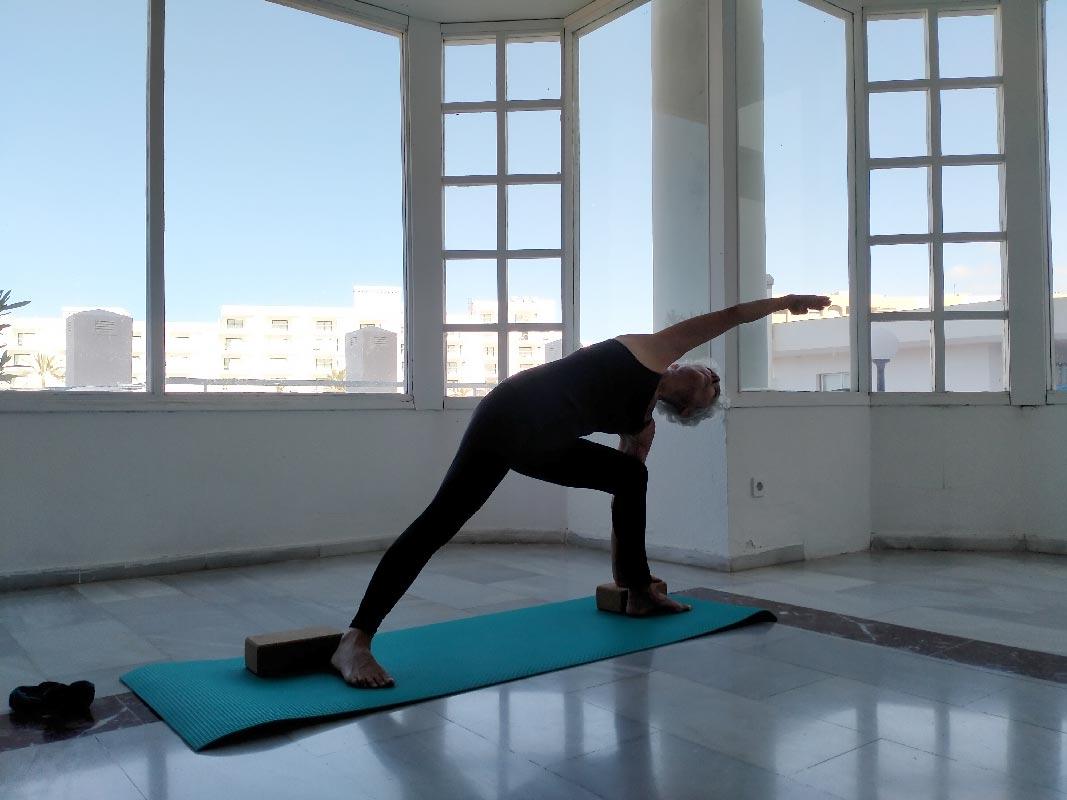 Yoga4freedom_parsvakonasana_PlayaParaiso-classes