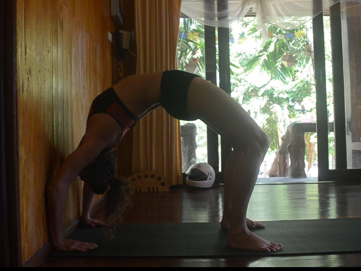 Yoga4freedom_Chakrasana-o-Urdva-Danurasana_wall